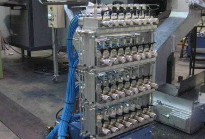 Centralina lubrificazione stampi ad alta pressione da 4 a 32 punti con impostazione da PC e memorizzazione in ricette.